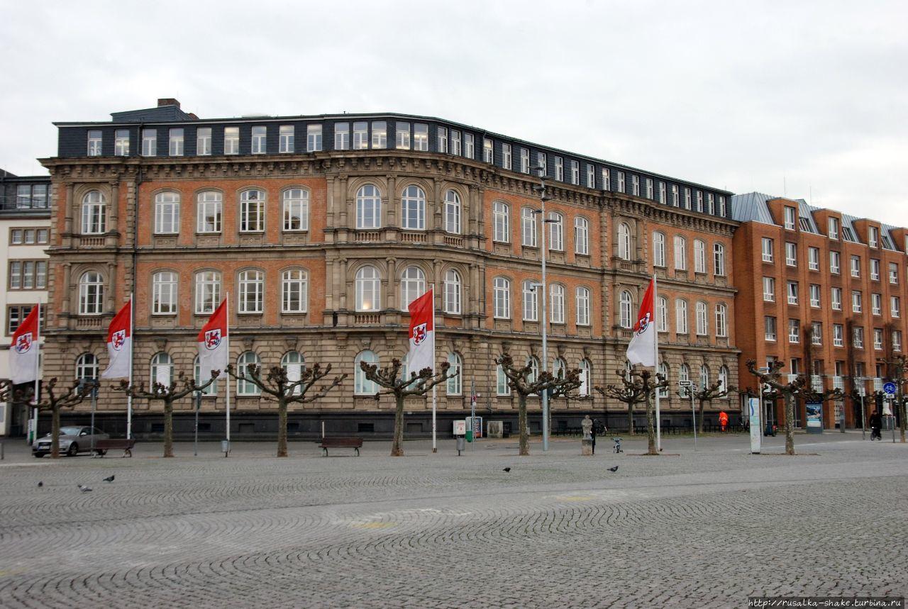 Бургплац Дюссельдорф, Германия