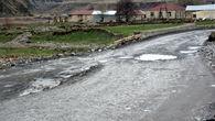 Убитая зимой дорога перед границей.