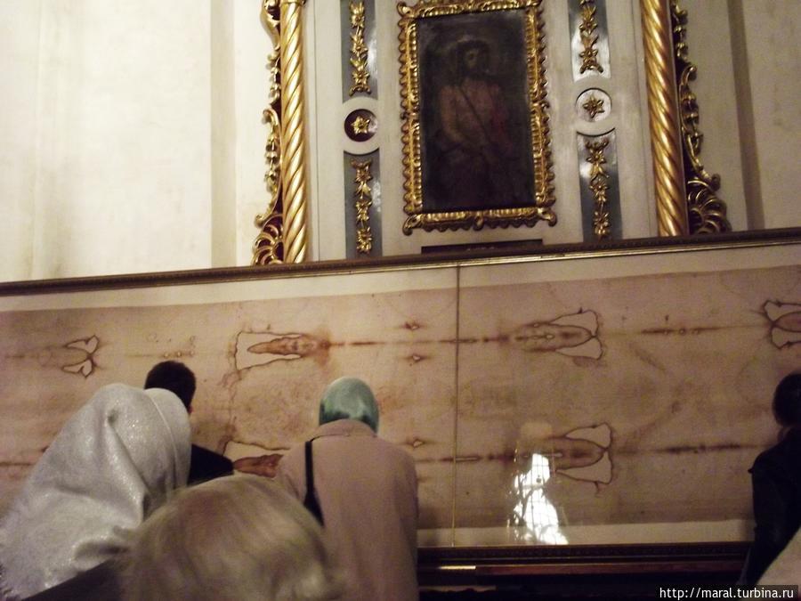 Священная реликвия — единственная в Украине освящённая копия знаменитой Туринской плащеницы с  изображением Христа