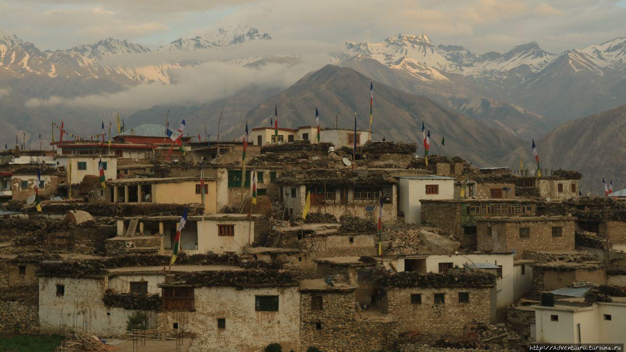 Деревня Нако