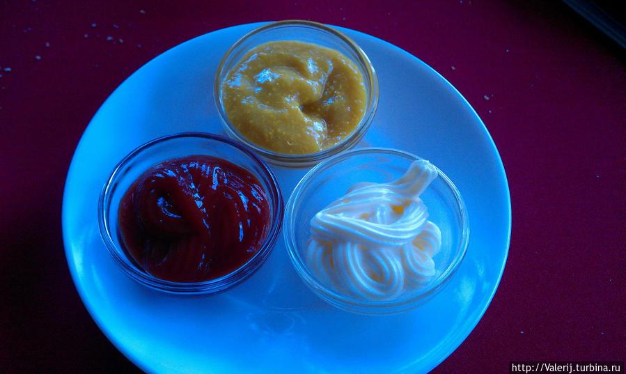 Кетчуп, майонез и соус с местными ингридиентами