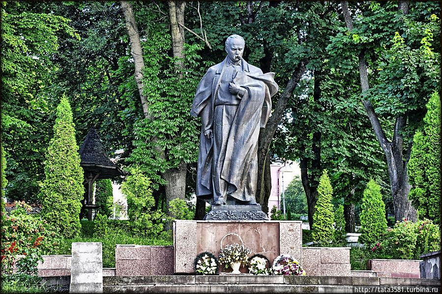 Парк  в Кременце Кременец, Украина