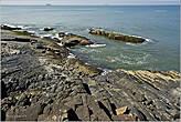 Живописные прибрежные камни — такая картина открывается на многих пляжах Гоа, где есть скалы... *