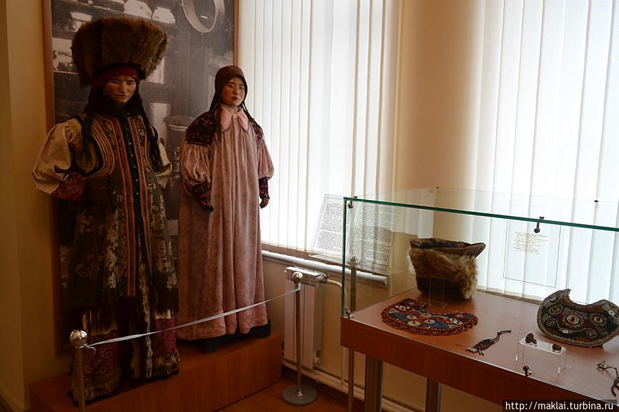 Национальные одежды хакасов.