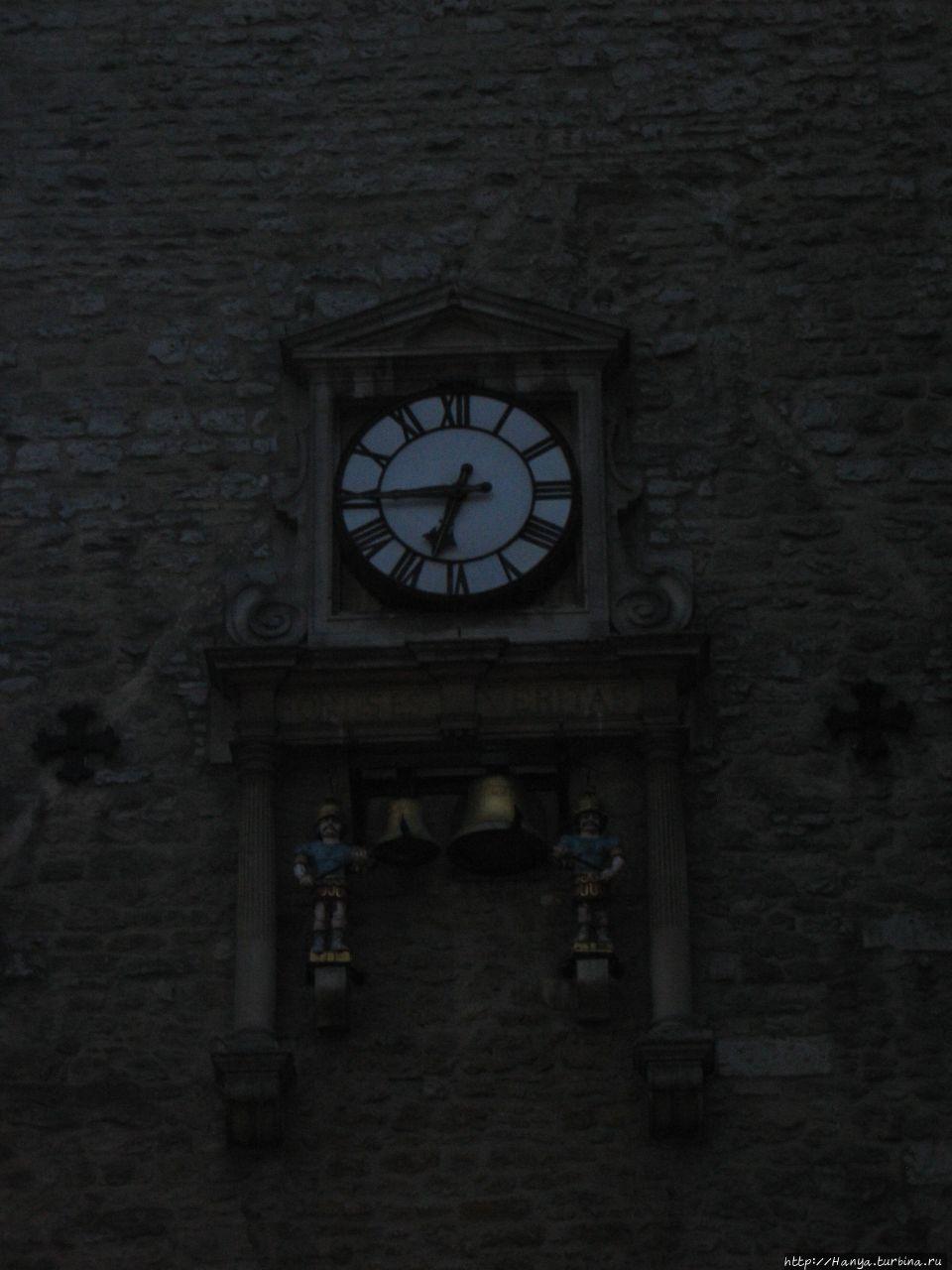 Часы на Башне Кэрфэкса. О