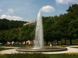 фонтан перед отелем