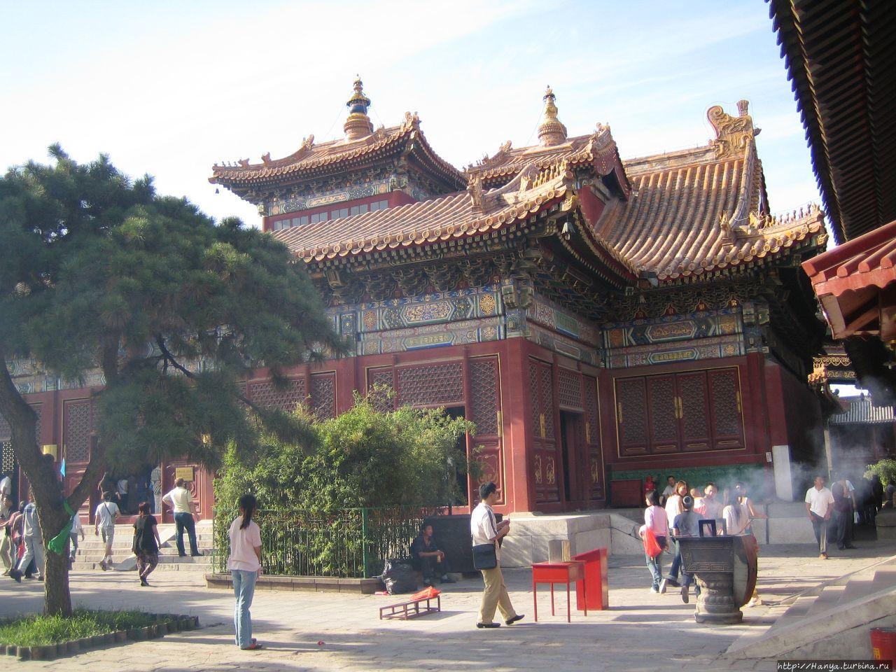 Храм Юнхэгун.  Фалуньдянь