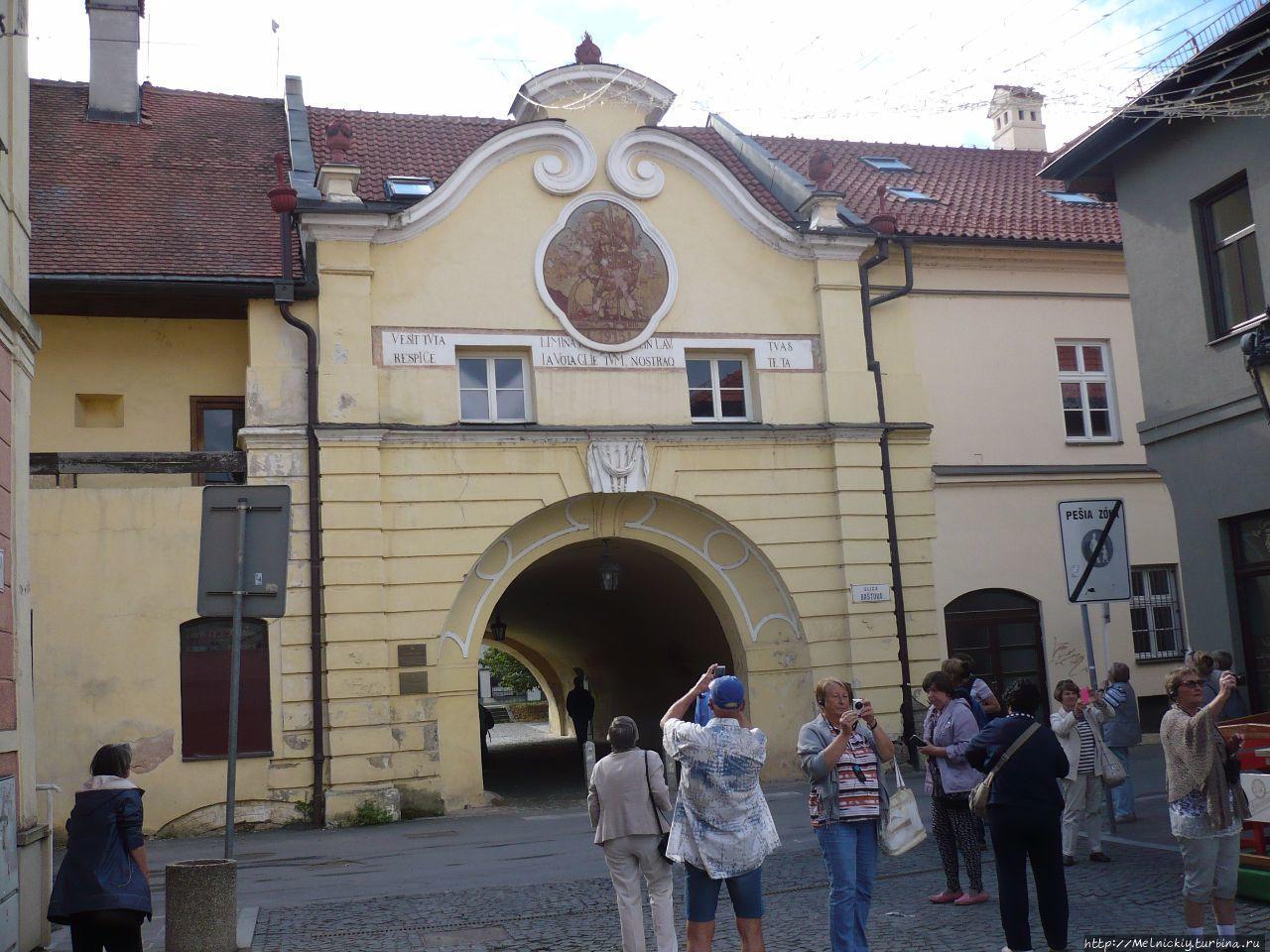 Короткая прогулка по центру старинного города
