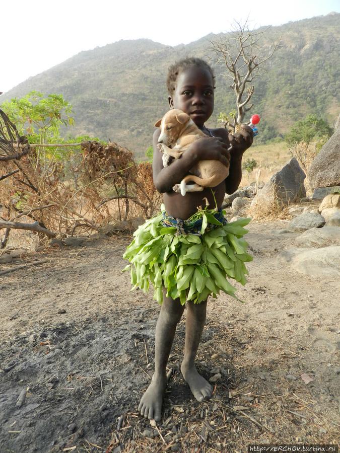 Камерун. Ч — 9. Люди Кома — голые и одетые Куаиль, Камерун