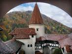 В начале 17 века в замке Бран были достроены две защитные башни.