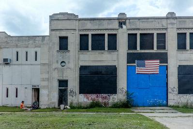4. В пятидесятых и шестидесятых этот город пышно цвел и развивался во всех направлениях, преимущественно в автомобилестроении. А потом где-то что-то пошло не так, и Детройт начал увядать.