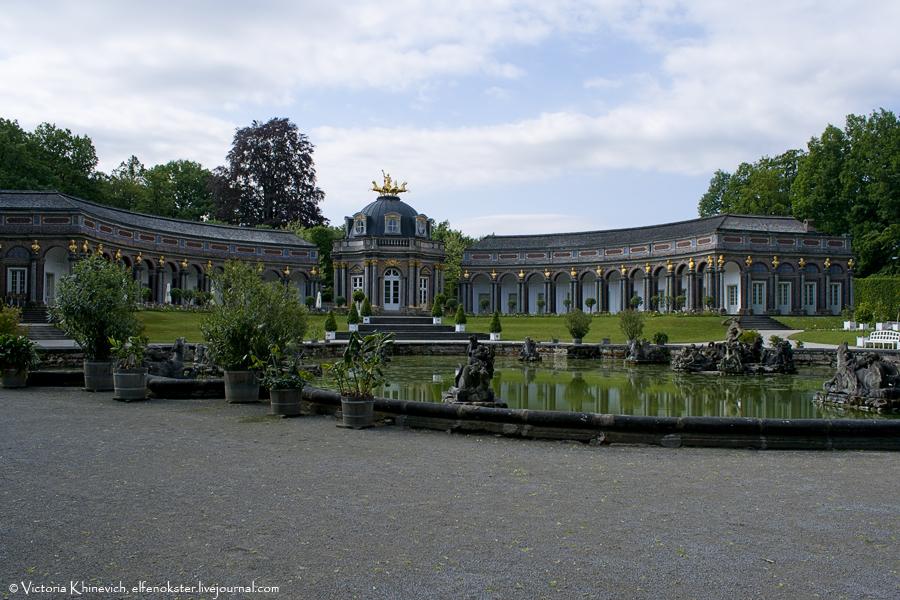 Оранжерея и Храм Солнца (нем. Ger. Orangerie mit Sonnentempel)