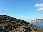 Дорога тянулась по склону гор и отовсюду открывался замечательный  вид на море.