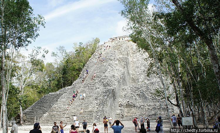 Древняя пирамида (лестниц