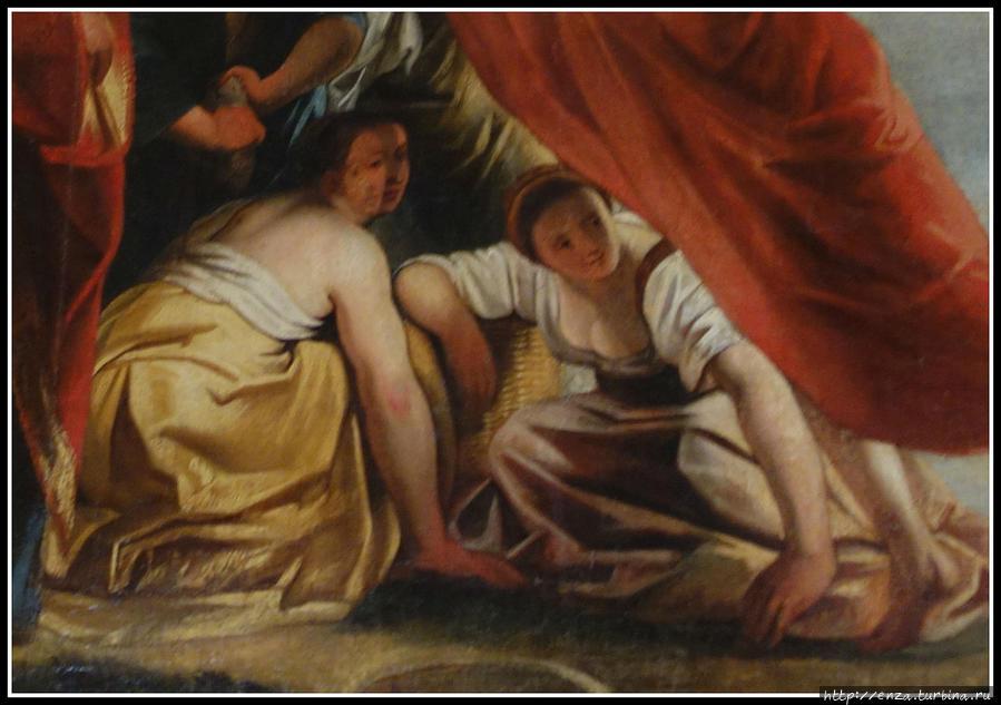 Одна из загадок замка. В Золотом зале находится картина, на которой изображена женщина с двумя лицами. то ли это ошибка художника, то ли тут есть какой-то тайный смысл.