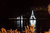 Подсветка башен в стиле Эйфелевых