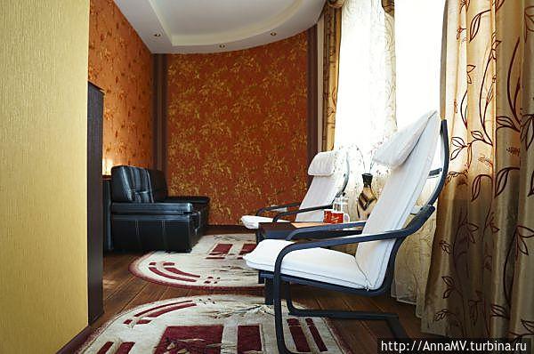 Номер 12 люкс, гостиная (вид со стороны балкона)