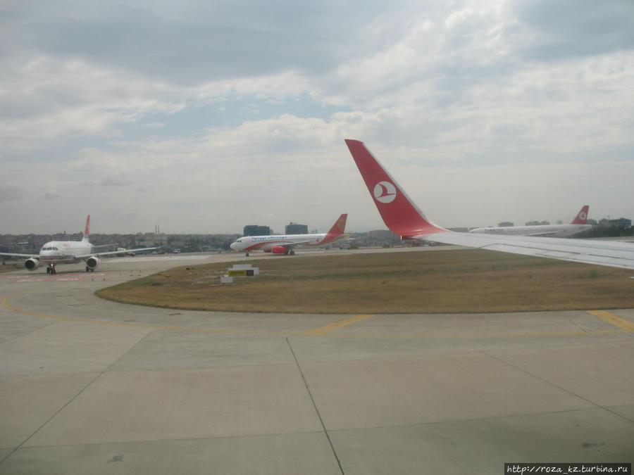 в Стамбульском аэропорту — час пик