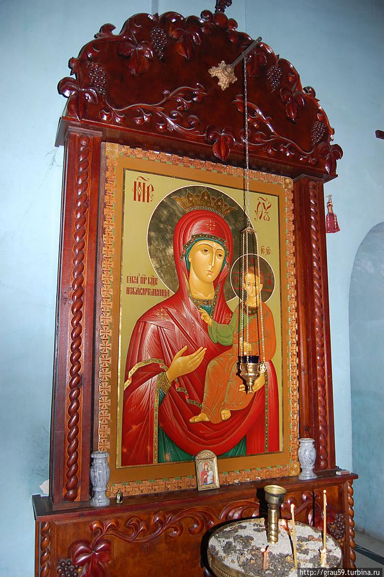 Особо чтимая в Абхазии икона Божией Матери «Избавительницы»
