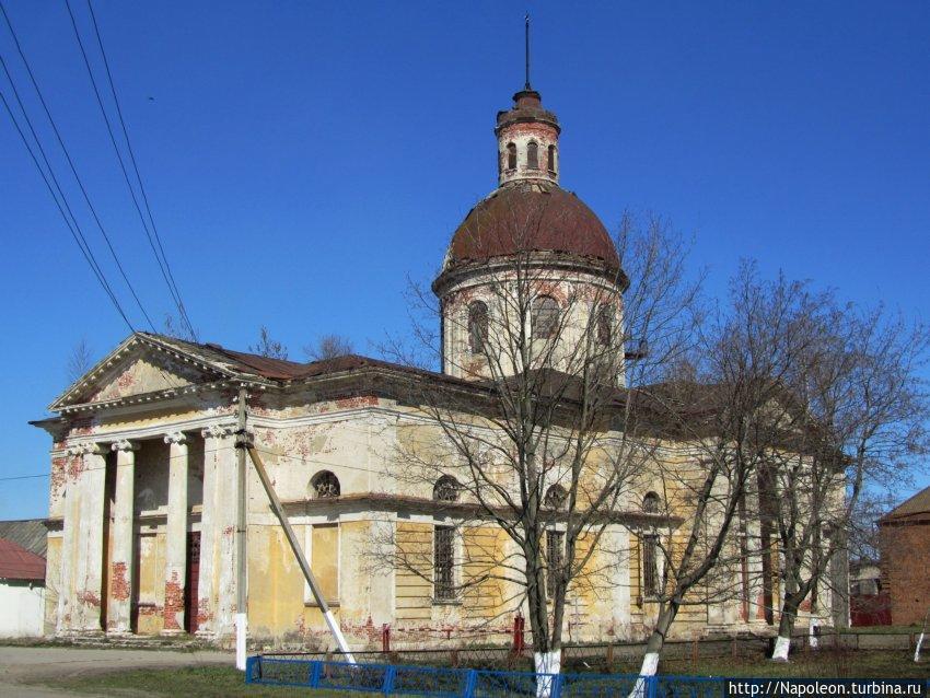 вот так церковь выглядела совсем недавно