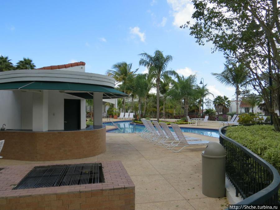 на территории неплохой бассейн с площадкой для BBQ Лукильо, Пуэрто-Рико