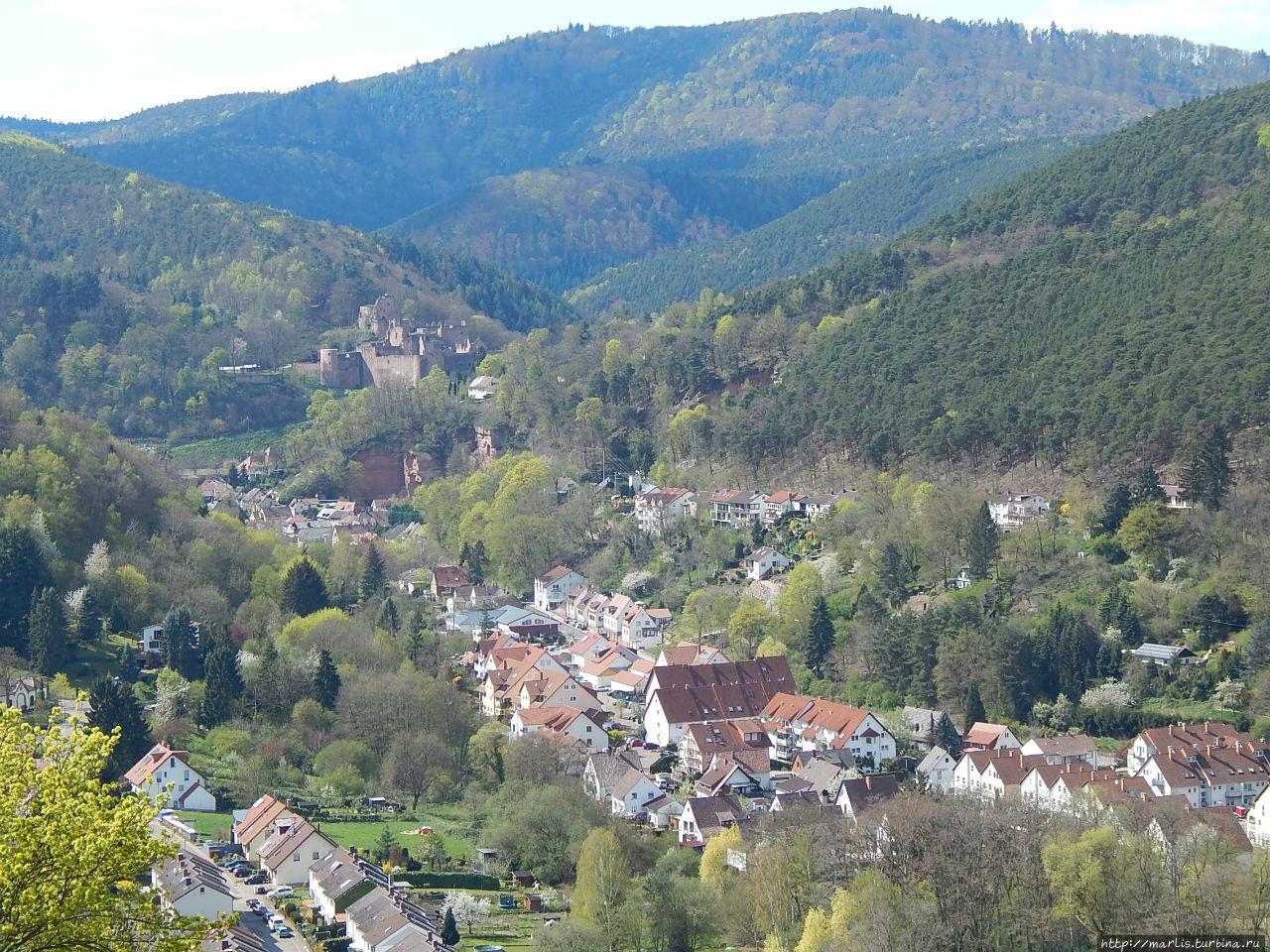 Вид на Харденбург из монастыря Лимбург