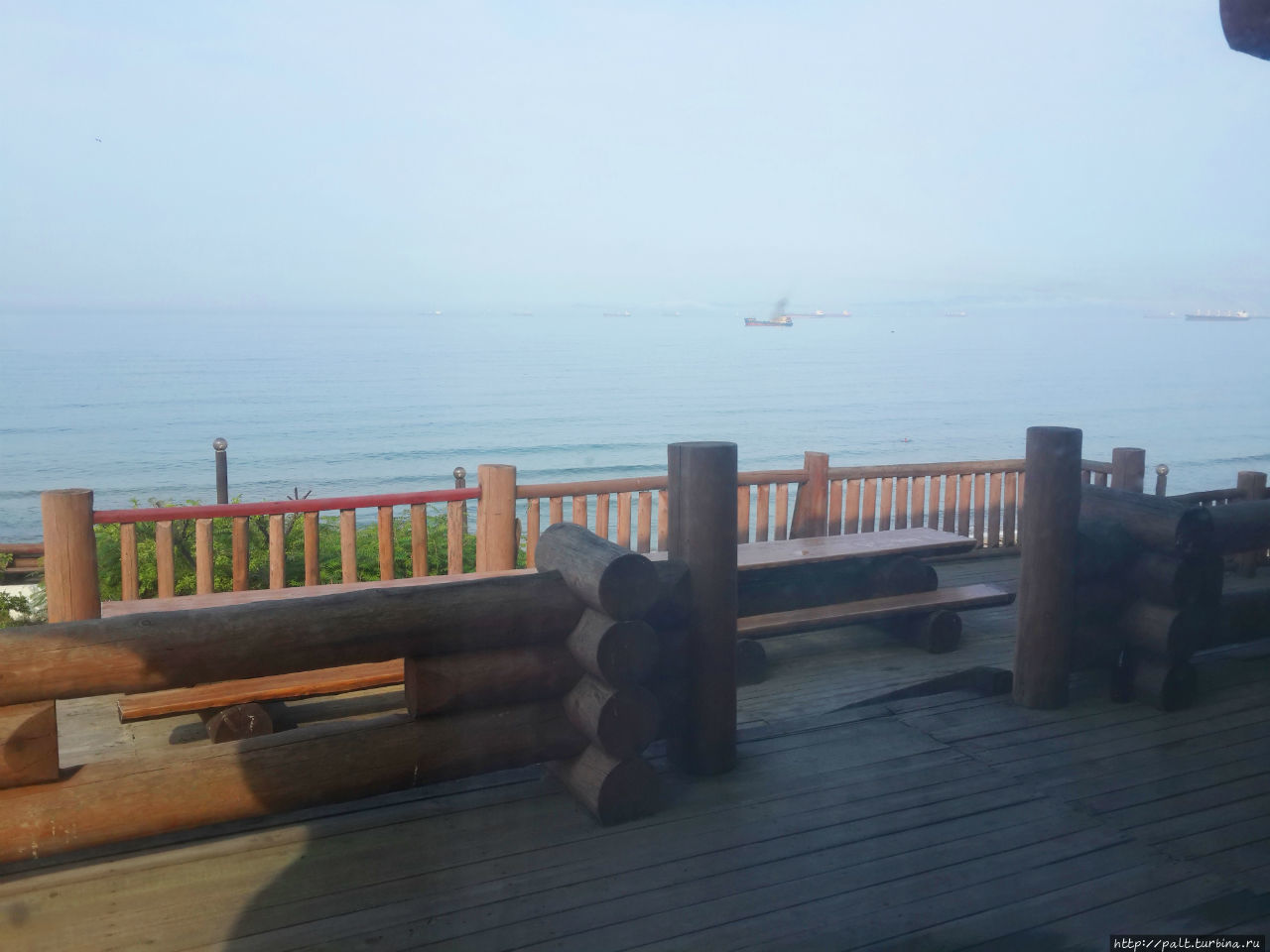 Чтобы увидеть такое утром из окна, чтобы выпить чашку кофе на такой террасе, можно забыть про все