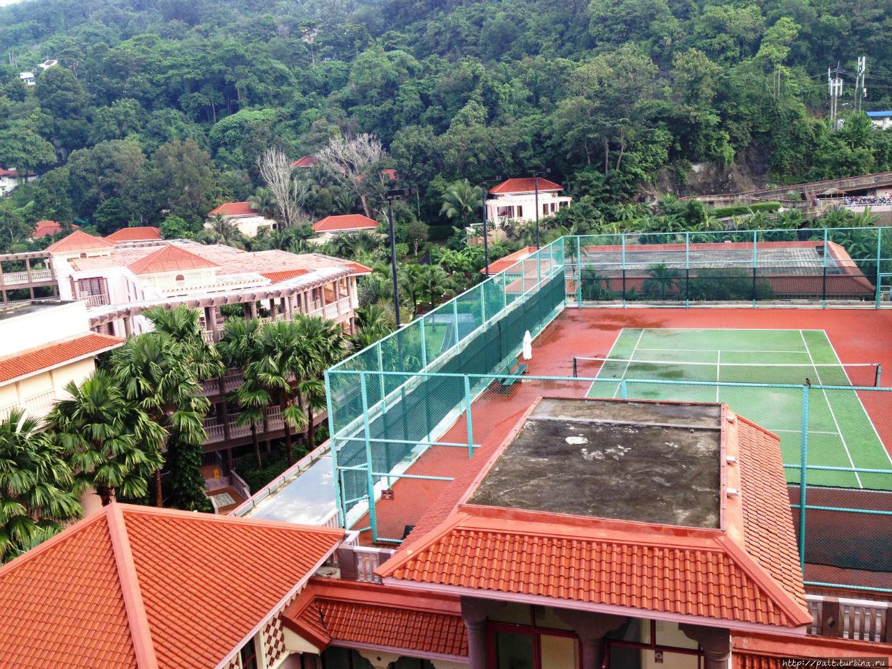 Теннисный корт отеля