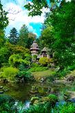 Нет, это не совсем тот древний город, это уже современный, ухоженный парк, но рука не поднялась ставить первой фотографию замка или деревни.