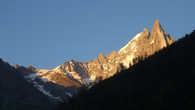 А это просто Дрю в лучах заката.. Наслаждайтесь.. Good night, Chamonix..