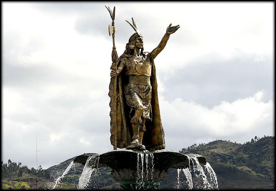 Картинки по запросу статуи Инки Пачакуте