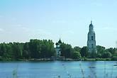 В 16.30 мы уже видим панораму центральной части Пошехонья. В Пошехонье делаем остановку.