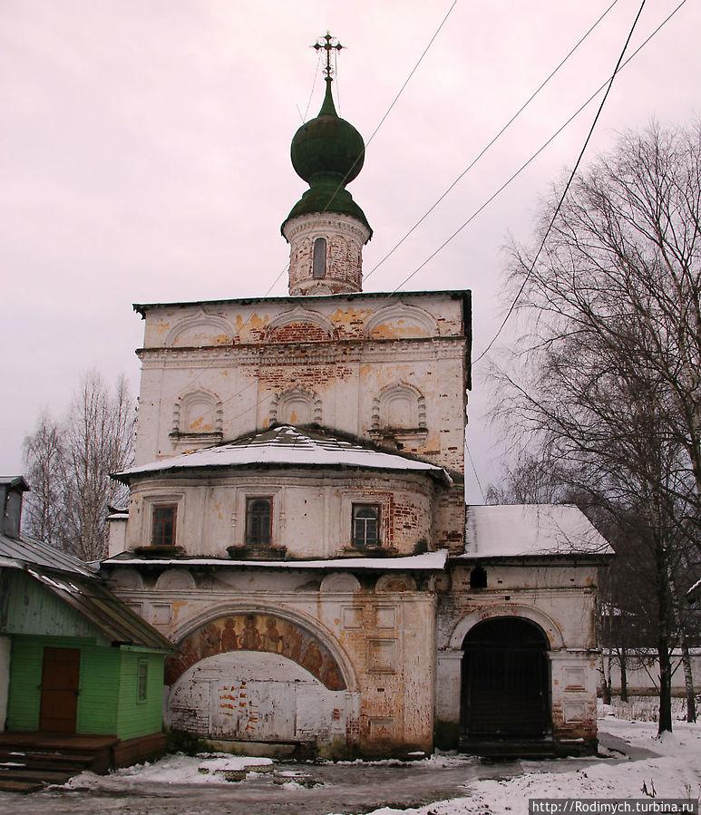 Владимирская надвратная церковь