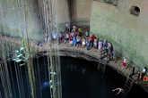 Народ купается в пещере