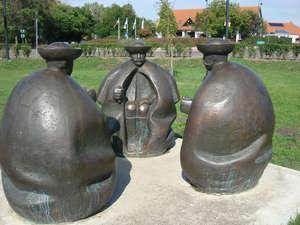 Памятник табунщикам