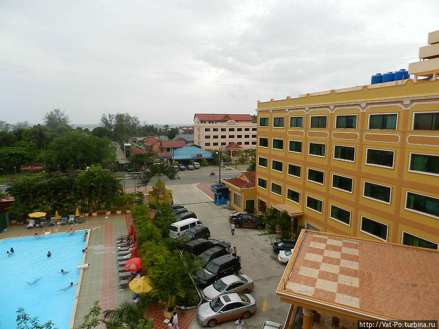 Вид из окна номера на 4 этаже
