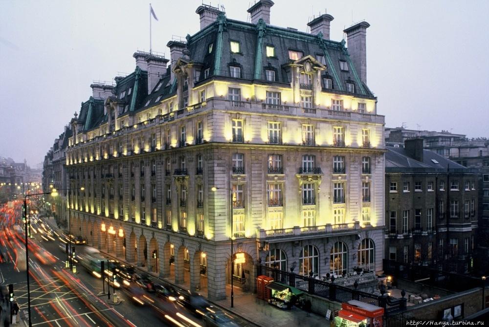 Отель Ритц в Лондоне. Фот