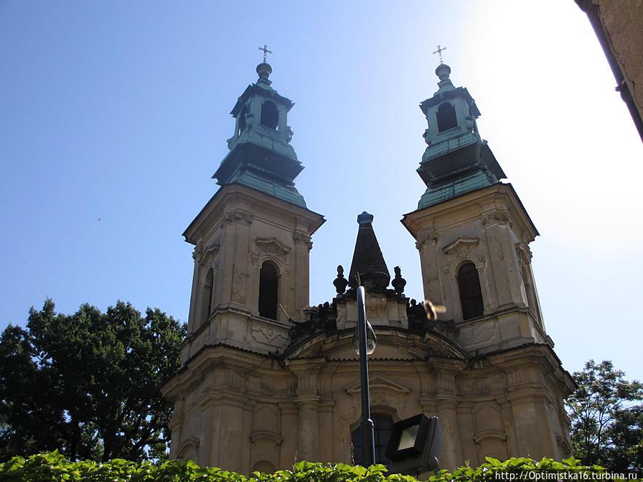 Храм по праву считается одним из лучших творений выдающегося чешского архитектора Килиана Игнаца Динценгофера.
