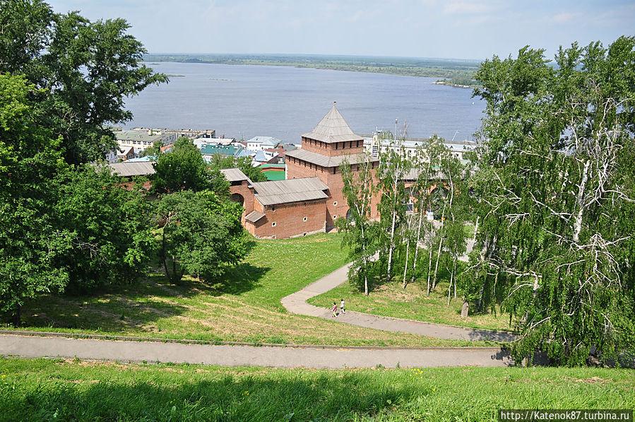 Вид на реку с территории Кремля