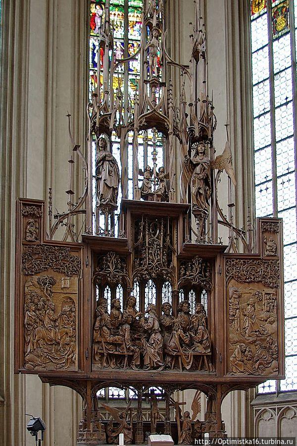 Алтарь святой Крови (нем. Heiligblut-Retabel) липа (1501—1505 гг..)