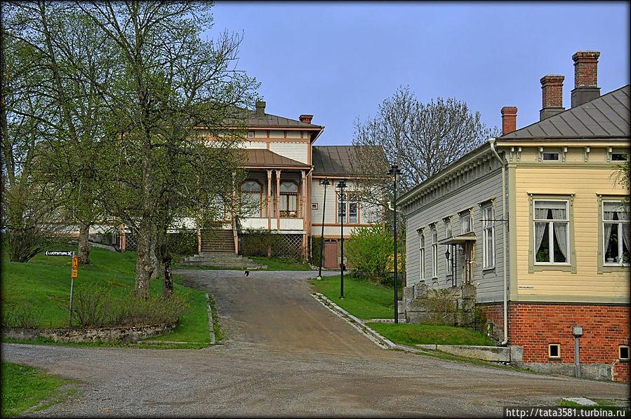 Старинный особняк на улице Alinenkatu. Уусикаупунки, Финляндия
