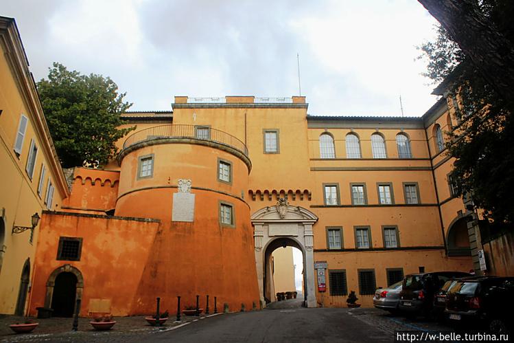 Замок Гандольфо.