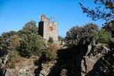 Сигнальная башня 1804 года постройки, периода наполеоновских войн. Использовалась для передачи сообщений по сети таких же башен и башен Мартелло (см. фото 18), а также кораблей. Сейчас вот тоже без дела не стоит, вся антеннами утыкана.
