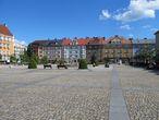 Центр Чешского Тешина с Ратушей находится в каких-то 10-15  минутах пешего хода от Замка. И еще, польская часть Чешина мне понравилась больше.