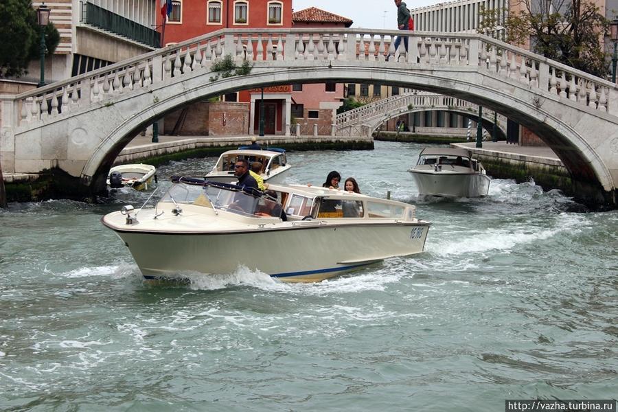 покататься на лодке в венеции