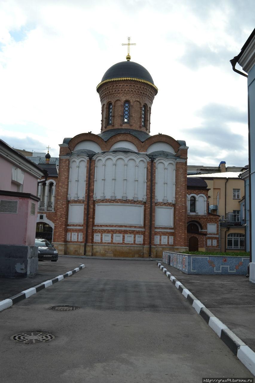Вид со стороны улицы Большая Полянка