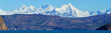 до ледников можно добраться на корабликах из небольшого порта Bandera расположенного в часе езды от El Calafate