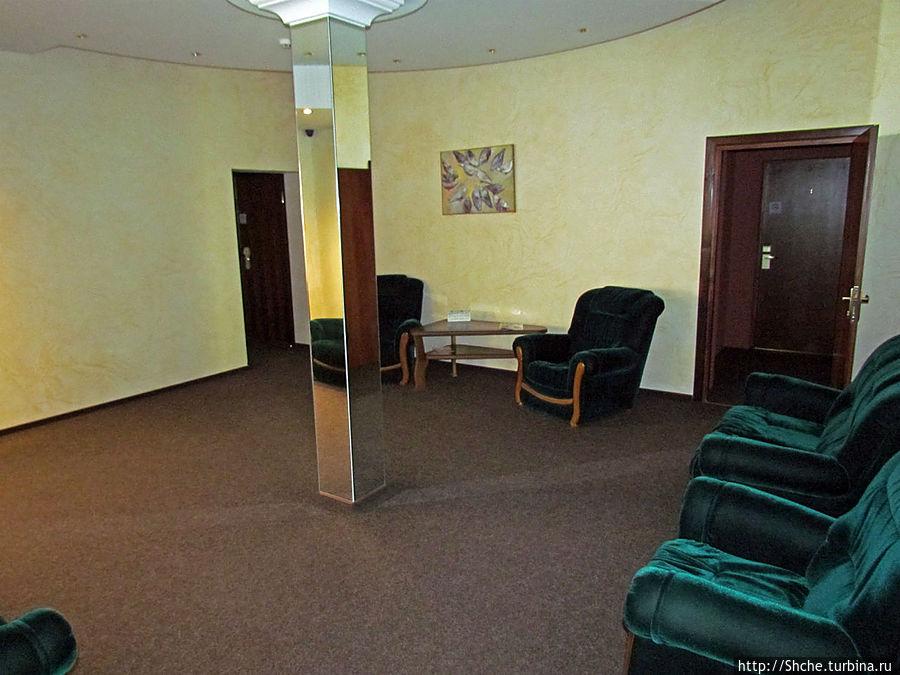 холл отеля на 18 номеров