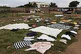 В Африке, в каких бы трущобах ни жили, одеты всегда чисто.