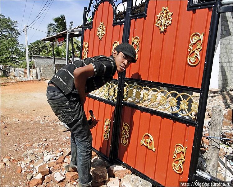 Такие ворота явно не бедн